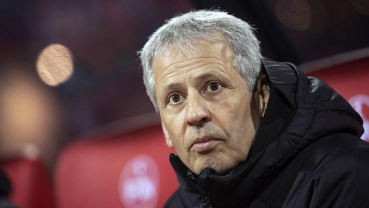 Sorgenfalten bei BVB-Coach Lucien Favre.