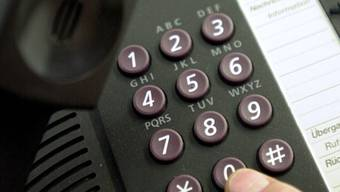 Telefonbetrüger ergaunerten in Horgen ZH bei einer Rentnerin mehrere zehntausend Franken. (Symbolbild)