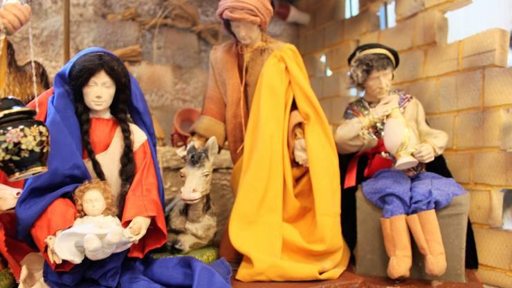 Die Ausstellung zeigt Krippen, die aus vier Kontinenten stammen und zu unterschiedlichen Zeiten angefertigt wurden.