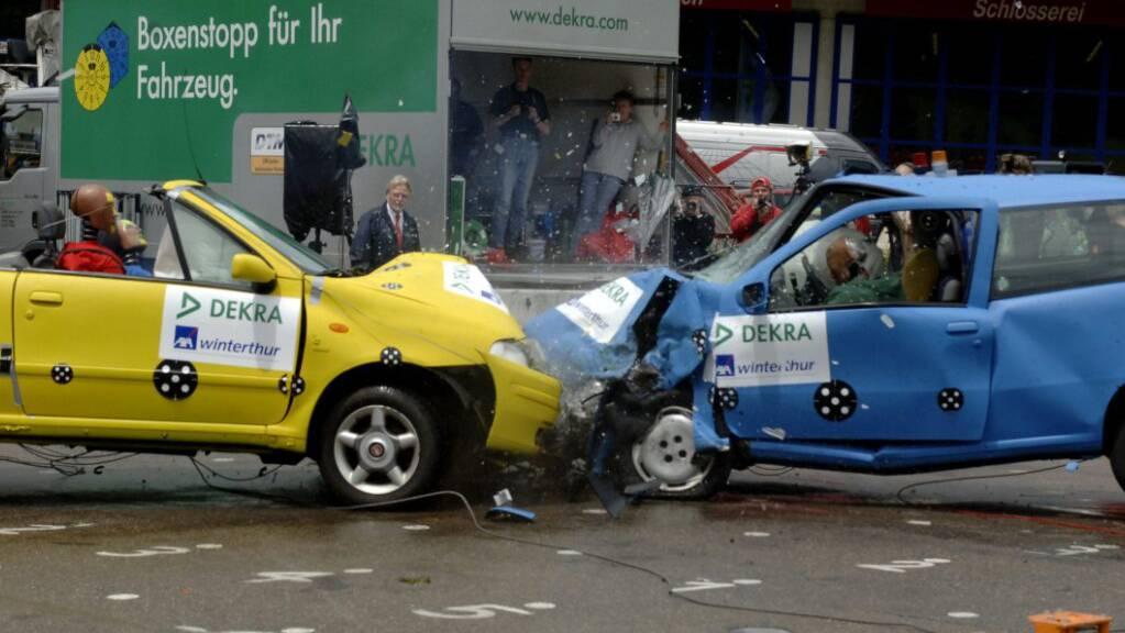 Die Prämien für Autovollkaskoversicherungen waren in den letzten drei Jahren rückläufig. (Symbolbild)