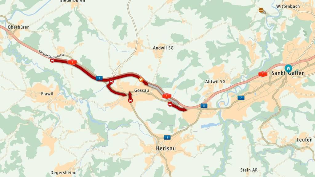 Zwischen Uzwil und Gossau staut es aufgrund eines Unfalls.