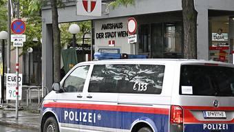 In Österreich musste die Polizei ausrücken, weil ein Kommunalpolitiker von seinem Balkon aus mehrere Schüsse abgegeben haben soll. (Symbolbild)