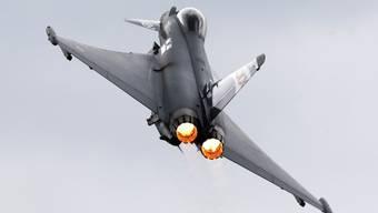 Ein Eurofighter Typhoon bei der Air Show in Farnborough