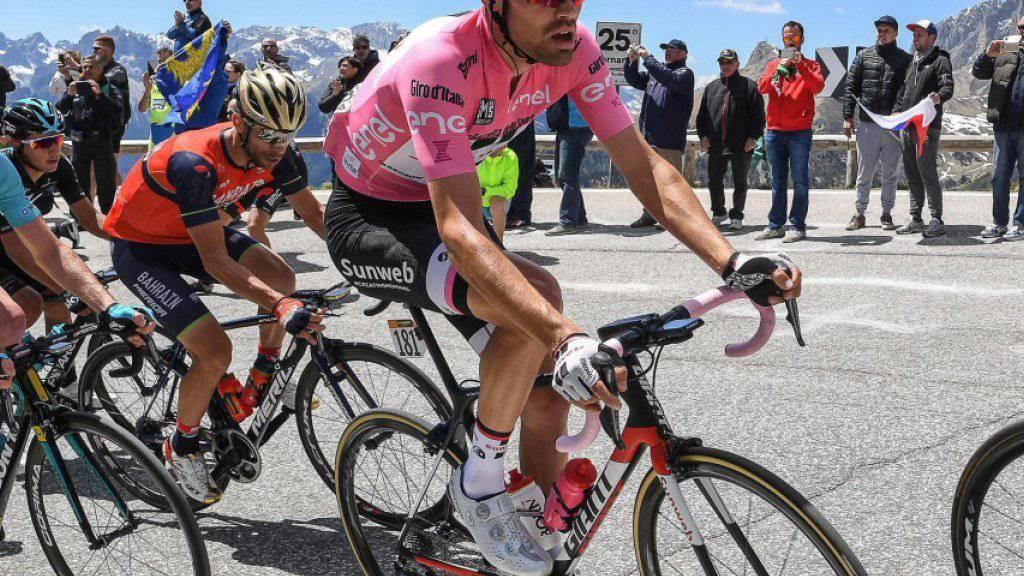 Tom Dumoulin, hier am Pordoi im rosafarbenen Trikot des Leaders, konterte in den Dolomiten alle Angriffe mit Erfolg.