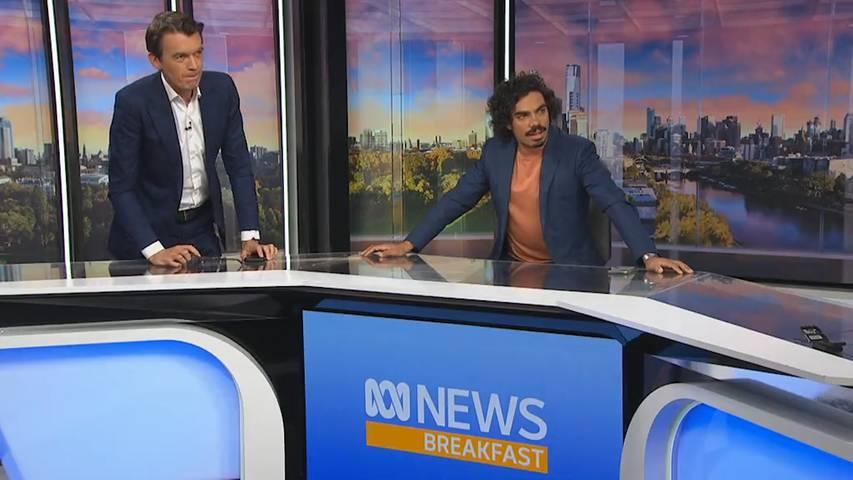 Starkes Erdbeben schüttelt TV-Studio durch
