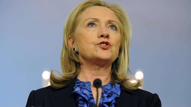Hillary Clinton kündigt die Lockerung der Sanktionen gegen Burma an