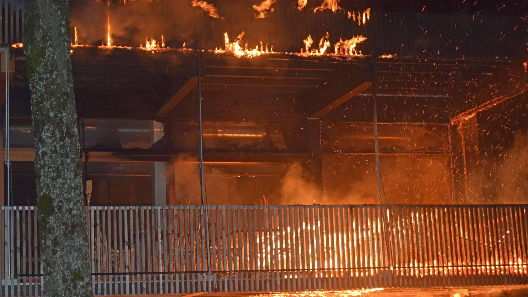 Restaurant Seehaus: Brand auf Terrasse