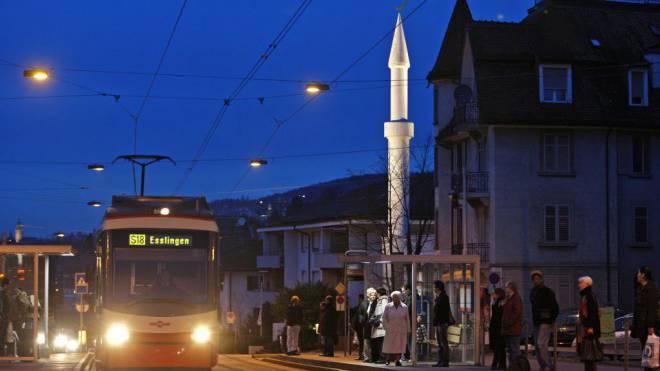 Die Tür der Mahmud-Moschee beim Zürcher Balgrist ist seit Kurzem verschlossen. Sie ist die älteste Moschee der Schweiz. Foto: KEYSTONE/Alessandro Della Bella