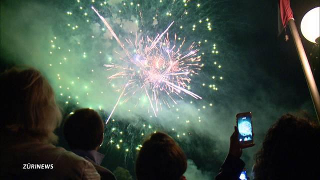 Feuerwerks-Euphorie trotz Muffelwetter