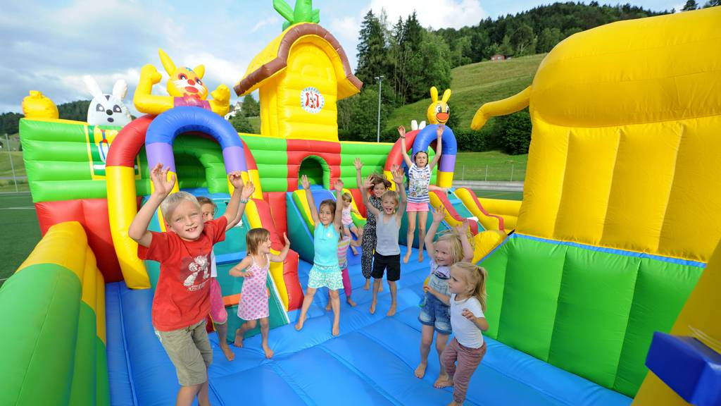 Der grösste Hüpfburgen-Funpark der Schweiz