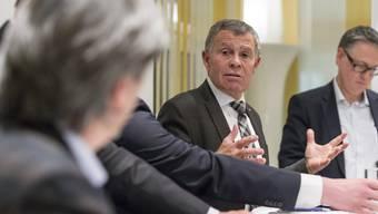 Kreuzverhör: Ernst Stocker und Mario Fehr kreuzen die Klingen
