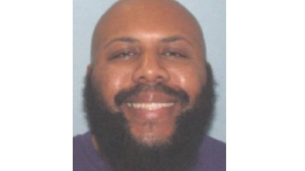 Mit diesem Foto fahndet die Polizei im US-Bundesstaat Ohio nach einem Mann, der Live-Bilder eines Mordes auf Facebook gestellt haben soll.
