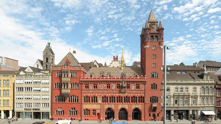 Am Basler Rathaus findet sich noch heute das Wappen von Mulhouse.