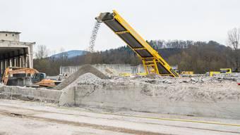 Heute sind etwa ¾ der inerten Abfälle Betonüberreste, Aushubmaterial, Kies und Steine. (Symbolbild)