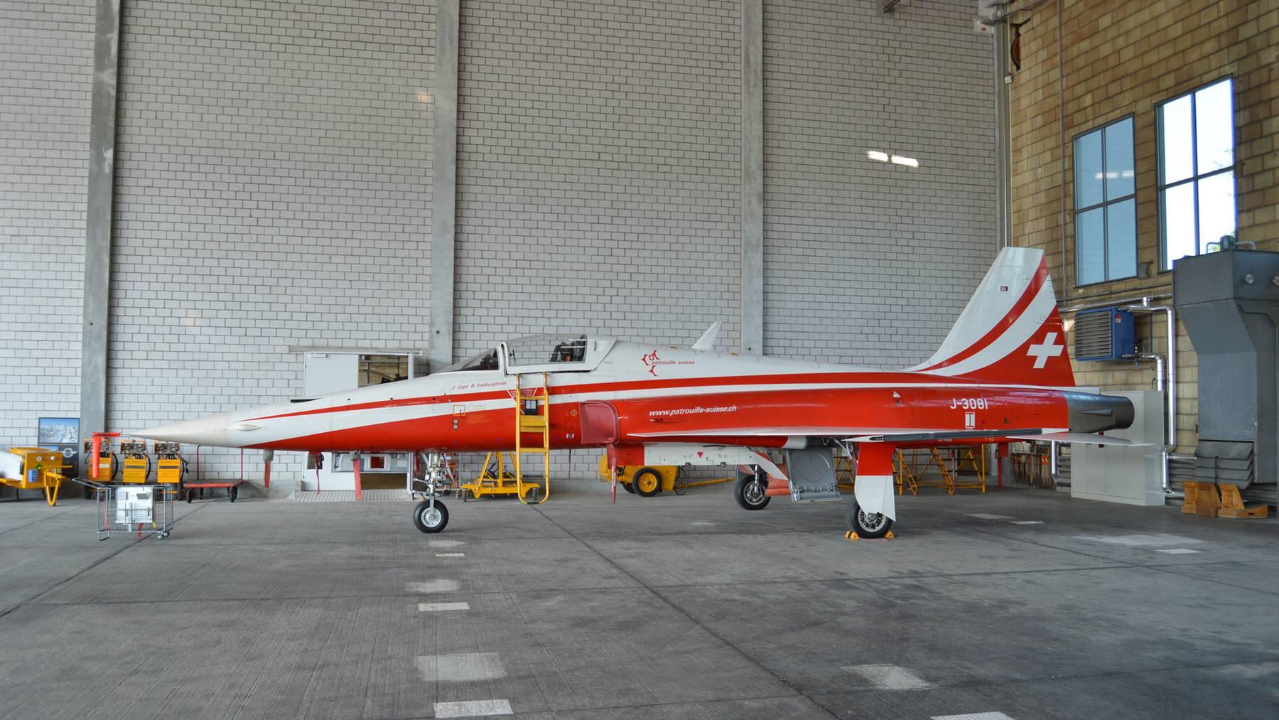 Schweizer Kampfjets bleiben länger als geplant