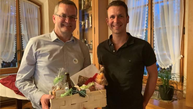 Geschäftsführer Bernhard von Allmen übernimmt von Beat Stähli (links) das Präsidium des Vereins Pro Buechibärg.
