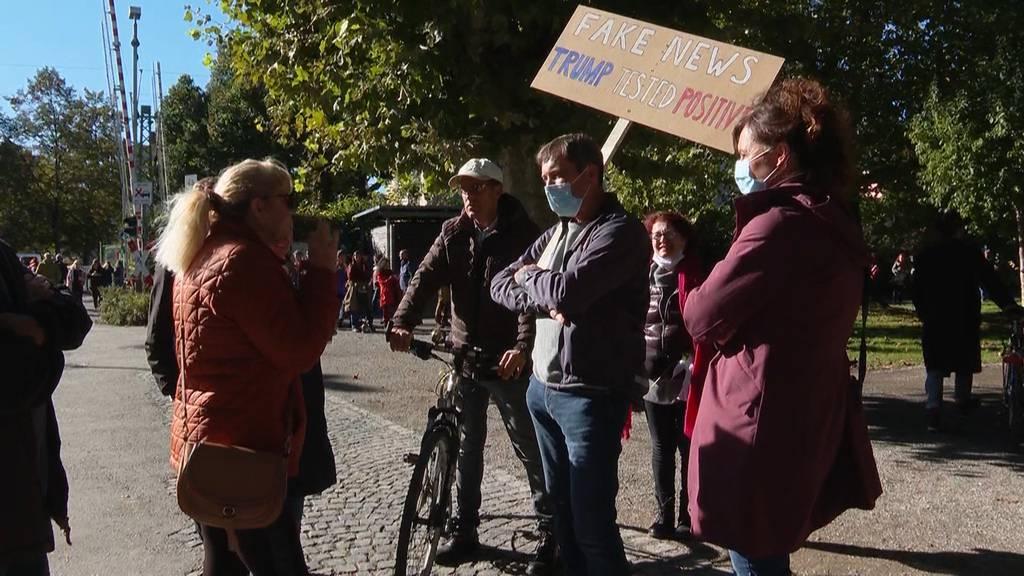 Friedliche Proteste für und gegen Corona-Politik in Konstanz
