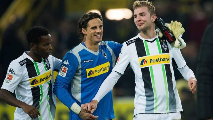Zum lachen: Yann Sommer (Mitte) «gratuliert» Christoph Kramer (r.) zum Eigentor des Jahres.