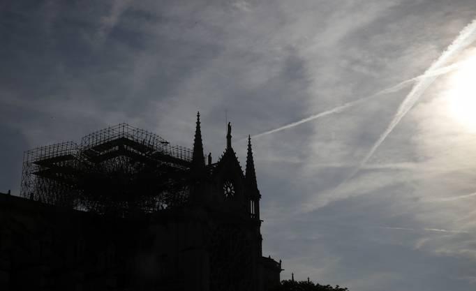Die Silhouette der Notre-Dame nach dem verheerenden Brand.