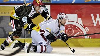 Gianni Ehrenperger (l.) zwingt Petr Vampola in die Knie.