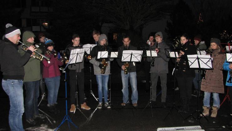 Der Musikverein spielt auch dieses Jahr zur Weihnachtszeit wieder für die Bevölkerung.