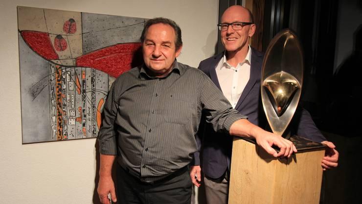 Markus Bur (links) und Stefan Lanz stellen gemeinsam im Näijerehuus Hersiwil aus