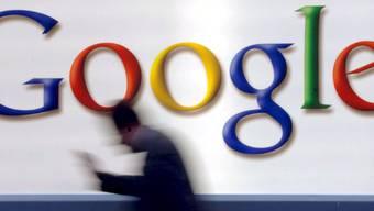 Wegen Donald Trump muss Google ihre Mitarbeiter aus dem Ausland zurückrufen.
