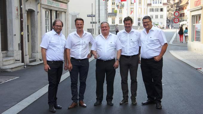 St.-Margrithen-Vorstand (v.l.): neuer Cancellarius Rolf Jenni, Säckelmeister Sacha Bärtschiger, Alt-Obmann Franz Gamper, neu gewählter Obmann Patrick Schwaller, Weibel Peter Neuenschwander.