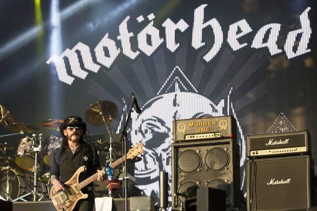 Lemmy Kilmister war für seine Vorliebe für Jack Daniels und Cola bekannt. Hier an einem Festival im Juli 2015 in Ungarn.