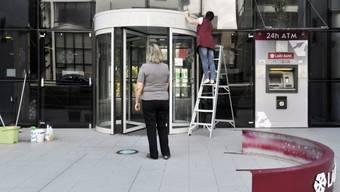 Demontage der Laiki-Bank in Nikosia: Zypern erhält Hilfe