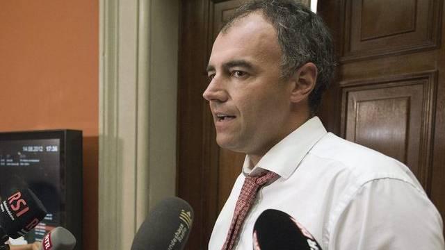 Kommissionspräsident Christophe Darbellay erklärt die Bedenken der WAK