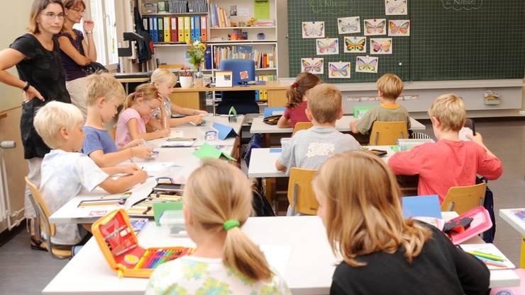 In Zürcher Schulen wird der Platz knapp (Symbolbild)