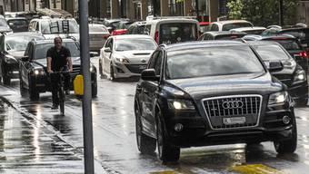 Ein Gesamtkonzept soll die Verkehrssituation im Raum Suhr verbessern. Es erfährt breite Zustimmung im Parlament. (Symbolbild)
