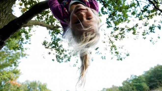 Je öfter Kinder im Freien spielen können, desto besser lernen sie. Foto: LAIF