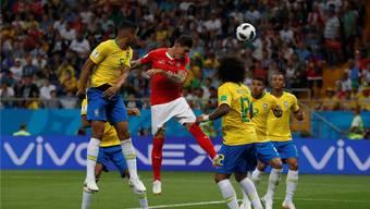 Auf Augenhöhe: Steven Zuber und die Schweizer Nationalspieler forderten die Brasilianer.