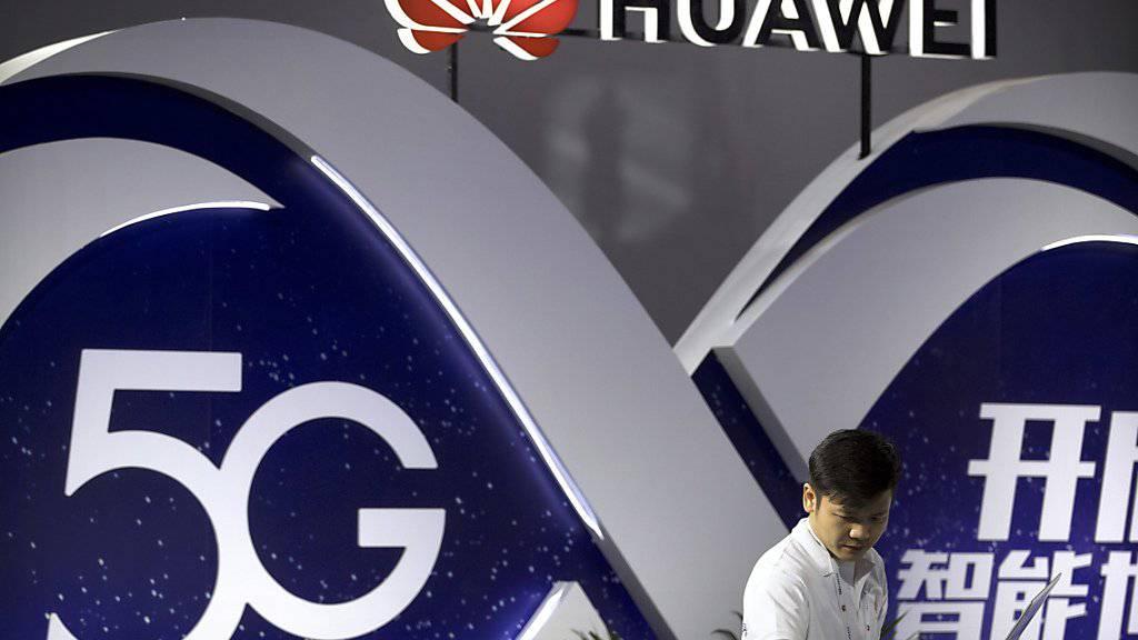 Huawei setzt darauf, in vielen Ländern bei der Aufrüstung der Mobilfunknetze auf die neue Technologie 5G mitmischen zu können - obwohl die USA gegen das chinesische Unternehmen vorgehen. (Archiv)