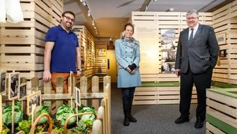 Eröffnung der Ausstellung zum «Arbeiterwohnen» v.l. Marco Kropf (Museumsleiter), Christine Heidrich, Lukas Walter.