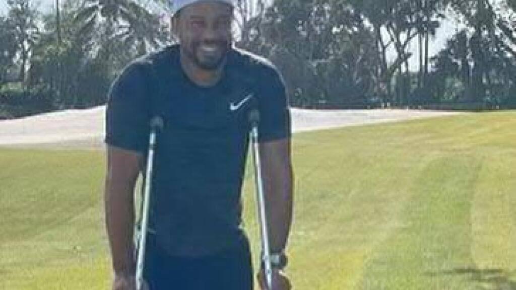 Tiger Woods erholt sich derzeit bei sich zu Hause in Florida von seinem schweren Verkehrsunfall