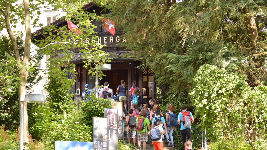 Stadtparlament bewilligt Geld für Schulreisen