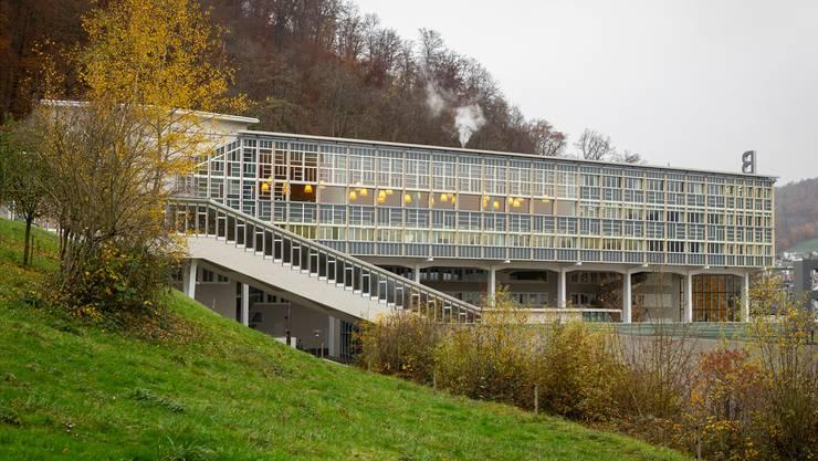 Mit dem Bildungsnetzwerk Baden soll die Stadt als Bildungsstandort gestärkt werden. Das Foto zeigt die Berufsfachschule am Martinsberg.