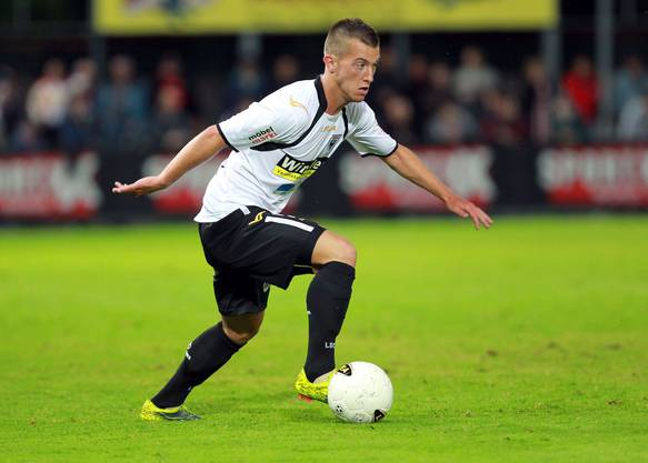 Marco Aratore als 20-Jähriger im Einsatz für den FC Aarau, knapp zehn Jahre später kehrt er zurück