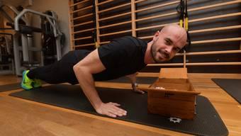 Fitness-Coach Gian Godenzi nimmt das Nähkästchen in die Mangel. Er hat den Begriff Erfolg erwischt.