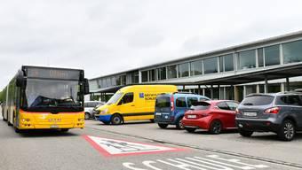 Der Postautoverkehr über den Chäsiweg soll im Dezember eingestellt und die Bushaltestelle für die Kreisschule Gäu an die Wolfwilerstrasse verlegt werden.