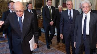 """Staatspräsident Giorgio Napolitano bei der Präsentation seiner """"zehn Weisen"""""""