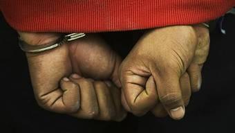 Die Kantone schaffen Kriminelle unterschiedlich aus