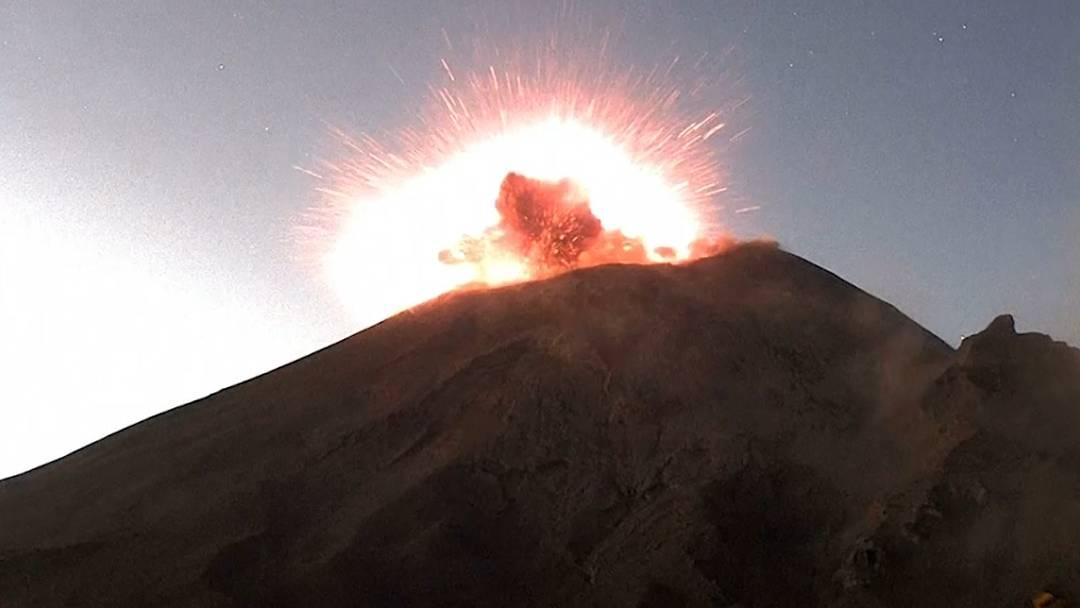 Gewaltige Explosion: Webcam hält den Moment eines Vulkanausbruchs in Mexiko fest