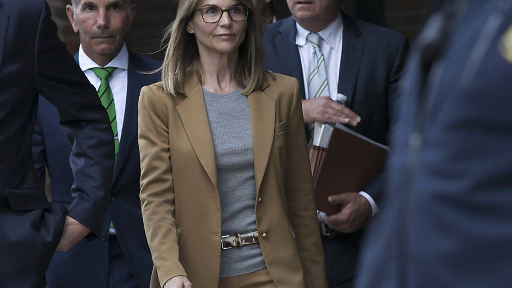 Anklage gegen Schauspielerin Loughlin ausgeweitet