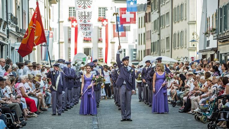 Die Suhrer Musikgesellschaft am Aarauer Maienzug 2015