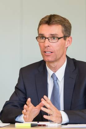 Landesweit ist vielen sein Vater noch bekannt: Thomas Pfisterer, alt Bundesrichter und alt Ständerat. Nun sucht auch der kantonale FDP-Präsident Lukas Pfisterer sein Glück in Bern.
