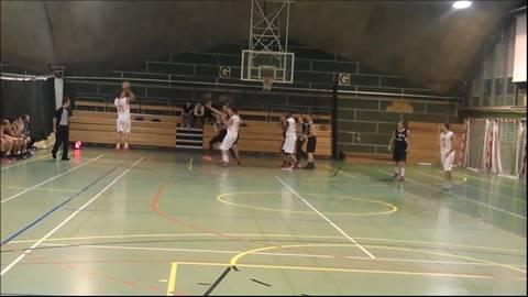 Spielszenen Basketballderby Solothurn - Biel